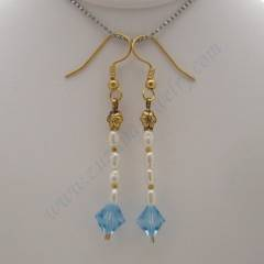 Light sapphire earrings with pearls